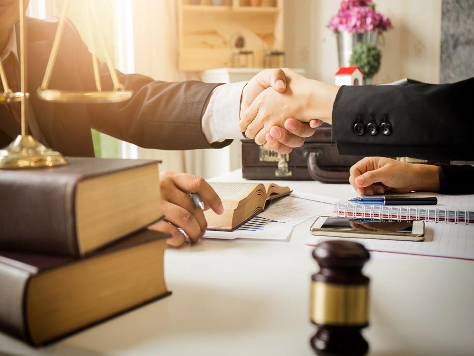 Rechtsbijstand: aanvullende verzekering of stand alone product?