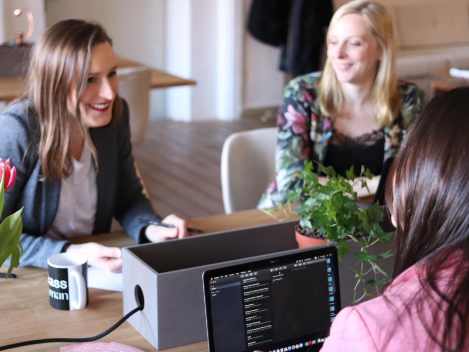 Loonsverhoging 1,1% (PC 200): bied uw medewerkers een employee benefit